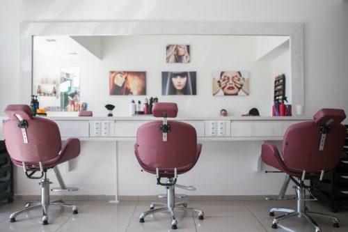 Rituel soin lissage brésilien dans votre salon de coiffure